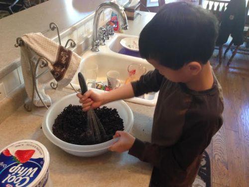 making oreo dessert