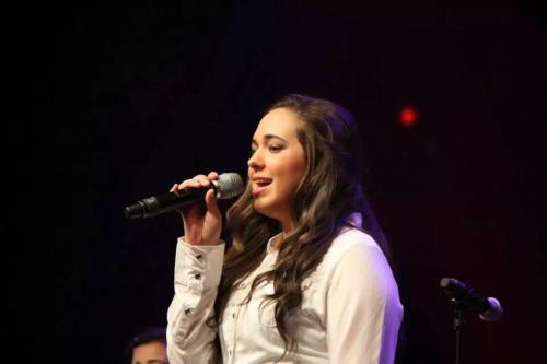 Kandace Singing