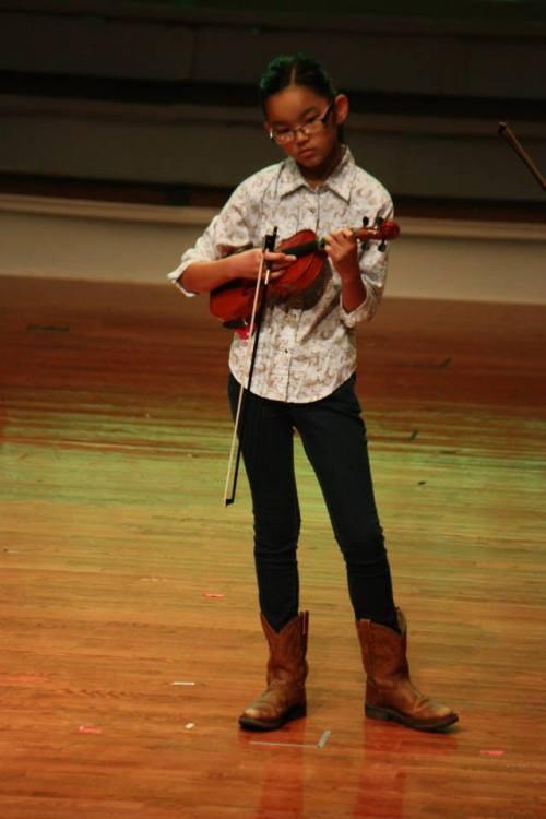 Clara fiddle